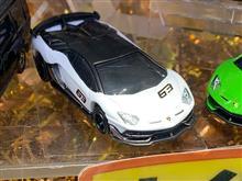 11月のトミカの新車の先行展示