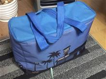 スーパーマーケットの保冷バッグにVWのバスが