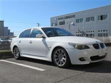 メンテナンスは大事..BMW E60 525 エンジンオイル+エレメント交換 FUCHSエンジンオイル