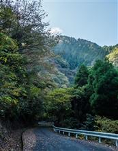 今朝のサイクリング --- 山間部の紅葉スポット。