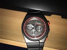 カーデザイナーがデザインした腕時計