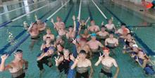 女子に囲まれた最後の忘年会&年越し水泳イベントで5400m完泳