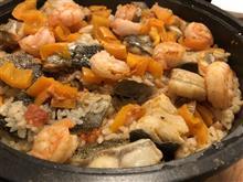 週末の料理はパエリヤ♪ タラ、海老、あさり