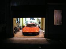近所のガレージハウス