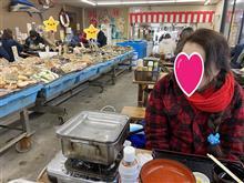 偶には市場で魚介類(=^・^=)