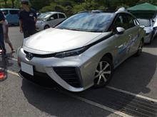 東京オリンピック・パラリンピックのボランティアの移動サポートで使われると言われているトヨタMIRAIを運転したことがある