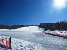 19-20 スキーNo.47 快晴で気持ち良いサンデースキー。とうとう聞こえ始めたシーズン終了の足音。ついでにジナン君吹っ飛ぶ。