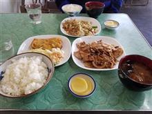 豊田市街のレトロ食堂にて朝食で焼肉と玉子焼きを愉しむ