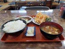 つつみ食堂にてトンテキと天ぷらを愉しむ