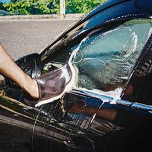 愛車を洗車しましょう✨