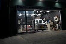 サンバートラック 1工程目の磨き作業を完了です!