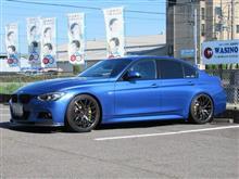 都市伝説は..BMW F30 320 TEXAエアコンクリーニング エアコンガスチャージ