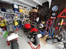 やや隠れ家的ガレージ通い😸整理整頓(;^_^A