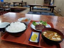 つつみ食堂にてトンテキと大根の煮物を愉しむ