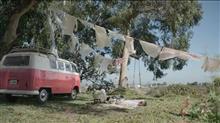 P&G ボールドのCM  VWバスの色がピンクに