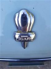 大量の日産のフィガロがアメリカへ