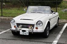 フェアレディSR、新車発売時の日米価格