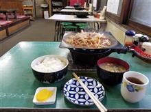 岐阜・坂祝のレトロ食堂にて、とんちゃんと豚汁を愉しむ
