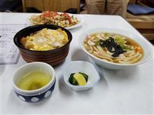 豊川のレトロ食堂にてカツ丼と肉うどんを愉しむ