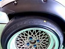 """デリバリーとかでも活躍するトヨタ車体のコムスに、フルバケ&Sタイヤ!? でも、タイヤがひび割れてしまったので交換です。今回はリアル・スポーツ""""ポテンザRE-71RS"""" をセットしました!!"""