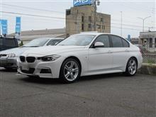 ここの所..人気の BMW F30 タイヤ交換 BS S001 RFT 225/45R18