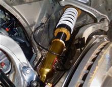 """精悍なローダウンフォルムと軽快なフットワークを求めて、まずは""""HKS ハイパーマックスⅣ GT 20spec""""を装着。400馬力オーバーのハイパーフォーマンスを楽しみ尽くすための第一歩です。"""