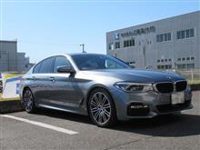 黒い悪魔にさようなら..BMW G30 523d ブレーキパッド交換 Racingmateブレーキパッド