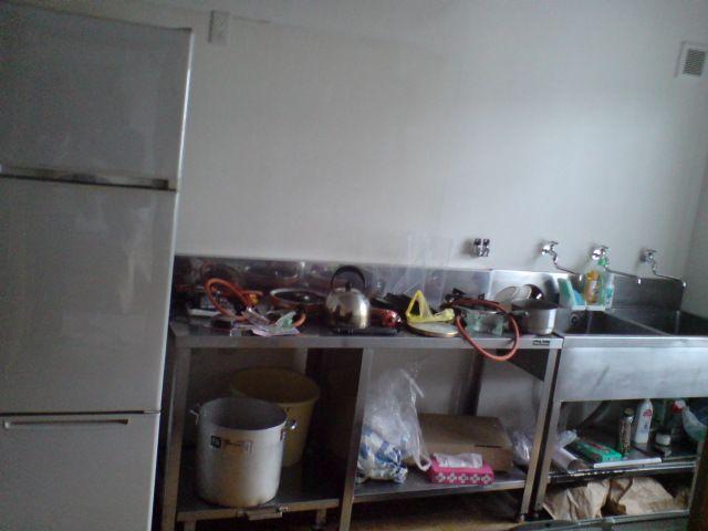冷蔵庫を設置。ピッタリです!