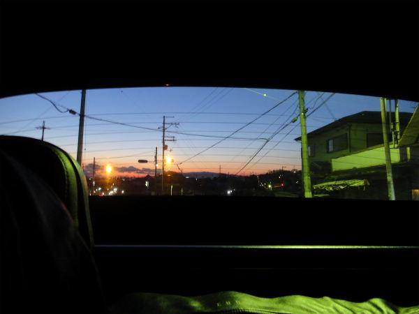ハードトップ越しに見た夕景