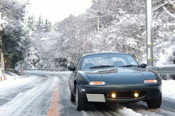 雪景色の中のロードスターVRリミテッド