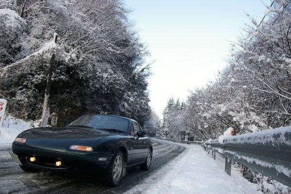 雪とユーノスロードスター