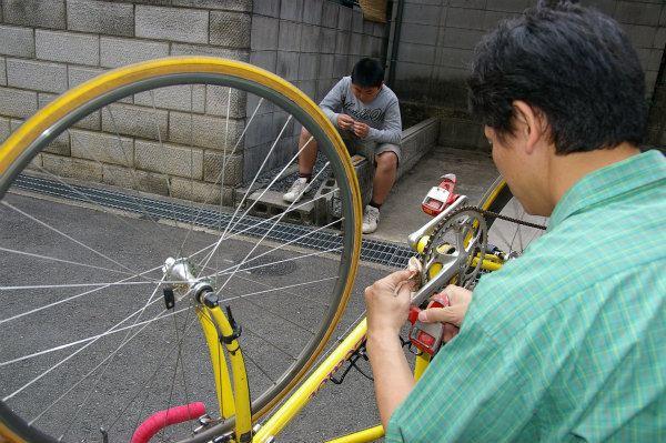 パーツクリーナーを使って自転車のメンテナンス