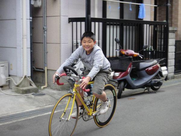 初めてロードバイクに乗る次男