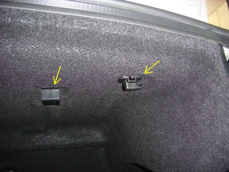 トランク内張りの外し方