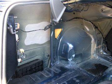 レガシィB4 BL5 トランク内張り撤去