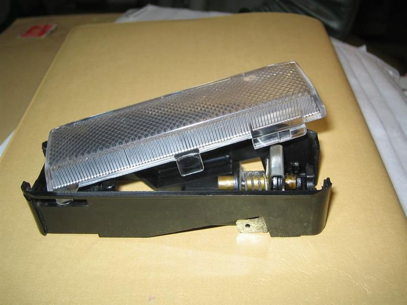 X1/9 ルームランプの外し方とLED化その2のカスタム手順2