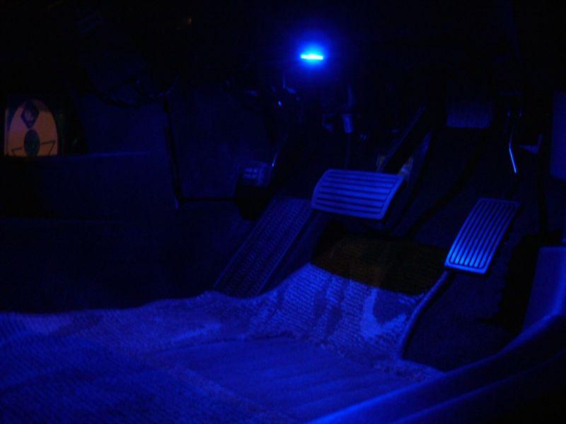 LEDフットライト(カーテシランプ)の取り付け(3)