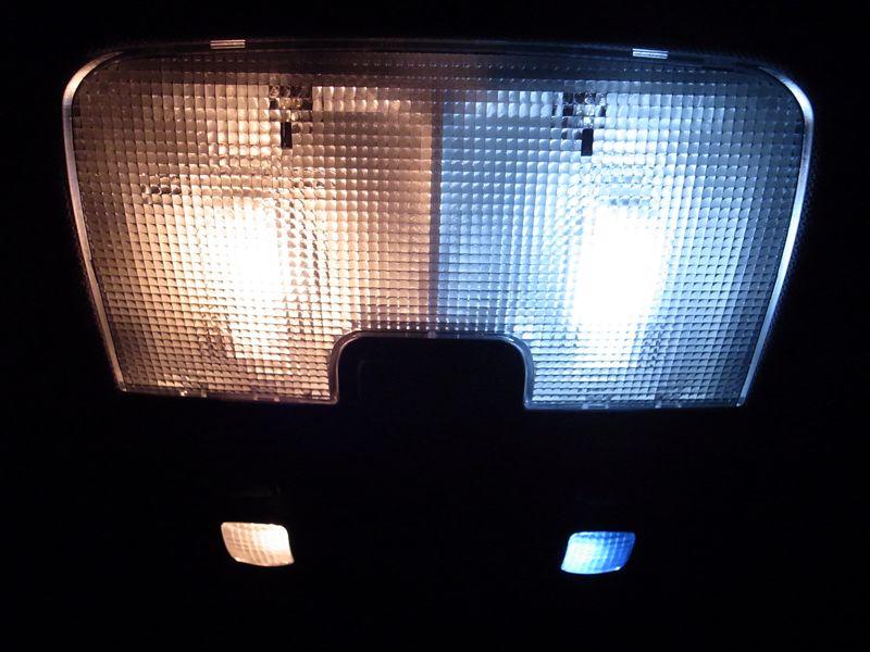 S4 アバント (ワゴン) ルームランプのLED化のカスタム手順2