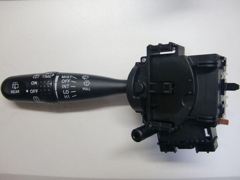 MH23SワゴンRカスタマイズの定番メニュー?純正パーツ流用カスタム、トヨタ純正・時間調節式間欠ワイパースイッチを装着しました。<br /> <br /> 品番:84652-52090