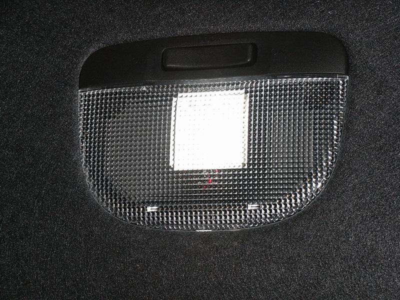 インプレッサ WRX STI GRF ルームランプのLED化のカスタム手順1