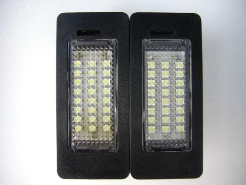 5シリーズ ツーリング ナンバー灯交換のカスタム手順1