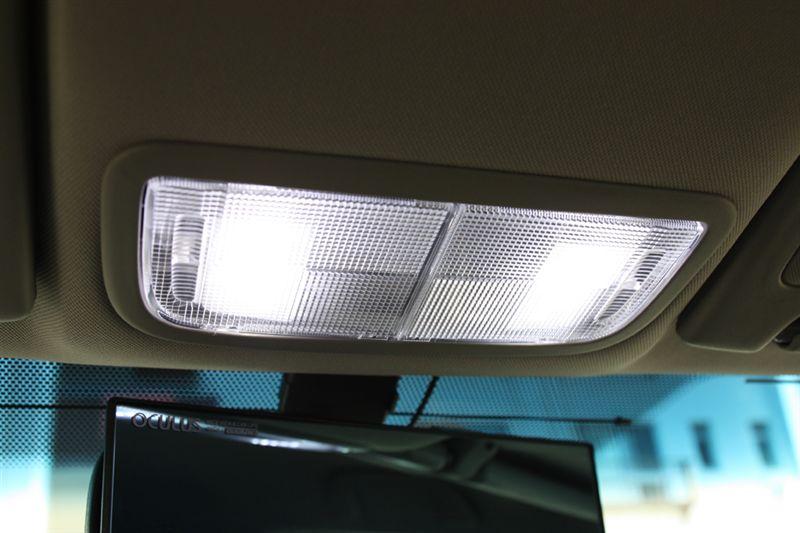 ルクサーワン LEDルームランプ取り付け。その2