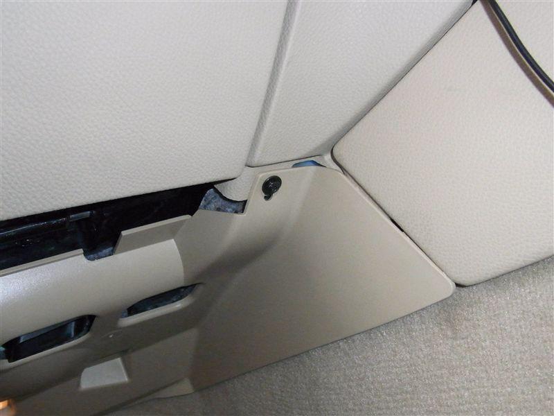 BMW E91 LCI 助手席側内装の脱着