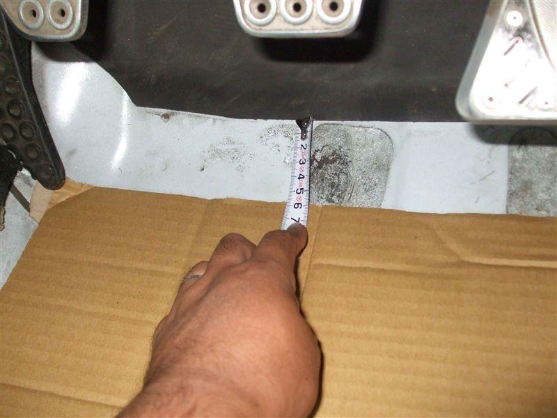 計画編:運転席側のヒールプレート自作