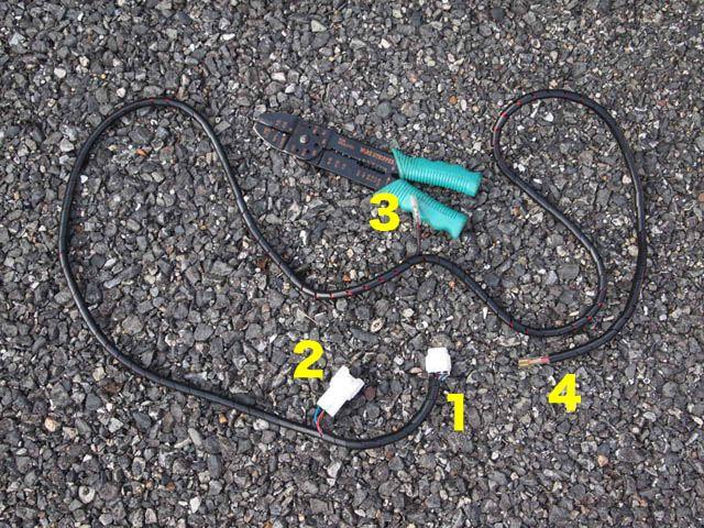 バッテリー直結配線を車内に引き込んで燃料ポンプへ(2)