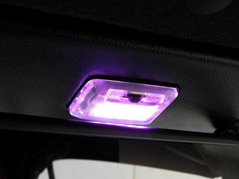 三菱ランサーワゴン用ラゲッジルームランプカバー&LEDルームランプ取付け