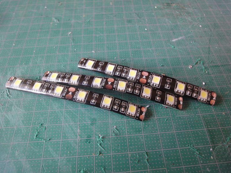 【LEDテープ】お手軽ルームランプ作製1