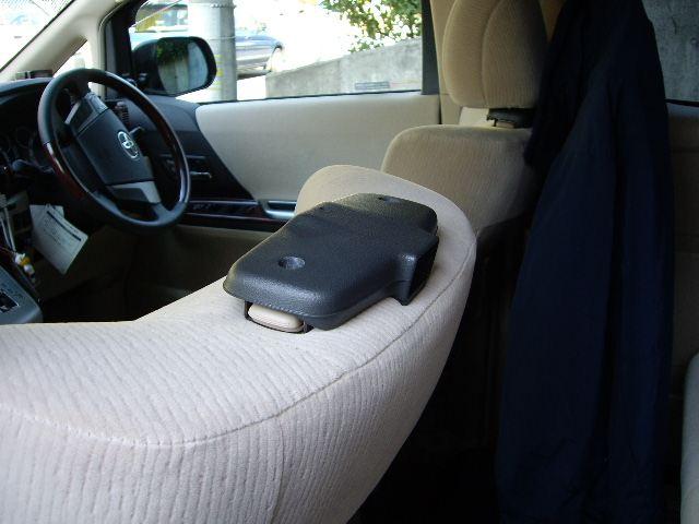 トヨタ純正シートバックテーブルの取付