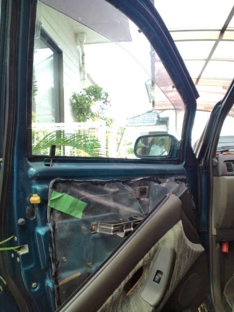 助手席の窓落ち応急処置