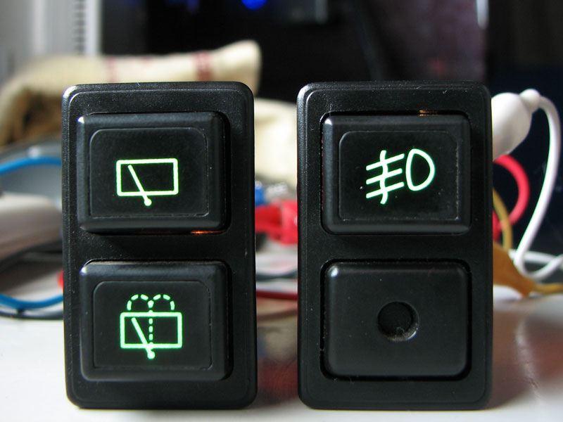 スイッチ類の照明を追加(その2)